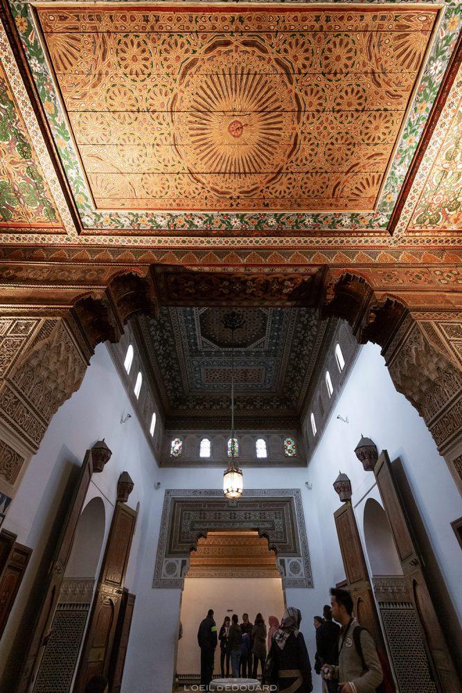Teto decorado do Palácio da Bahia em Marrakech, Marrocos / Visita a Marrakech Marrocos © L'Oeil d'Édouard - Todos os direitos reservados