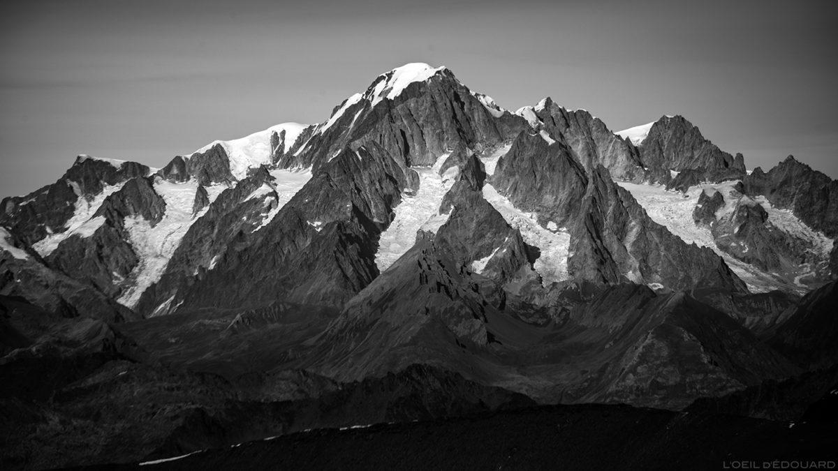 O maciço do Mont Blanc do topo da Aiguille de la Grande Sassière - Maciço de Savoie © L'Oeil d'Édouard - Todos os direitos reservados