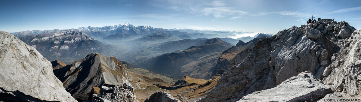 Vista panorâmica do topo da Pointe Percée: Mont Blanc, Haute-Savoie