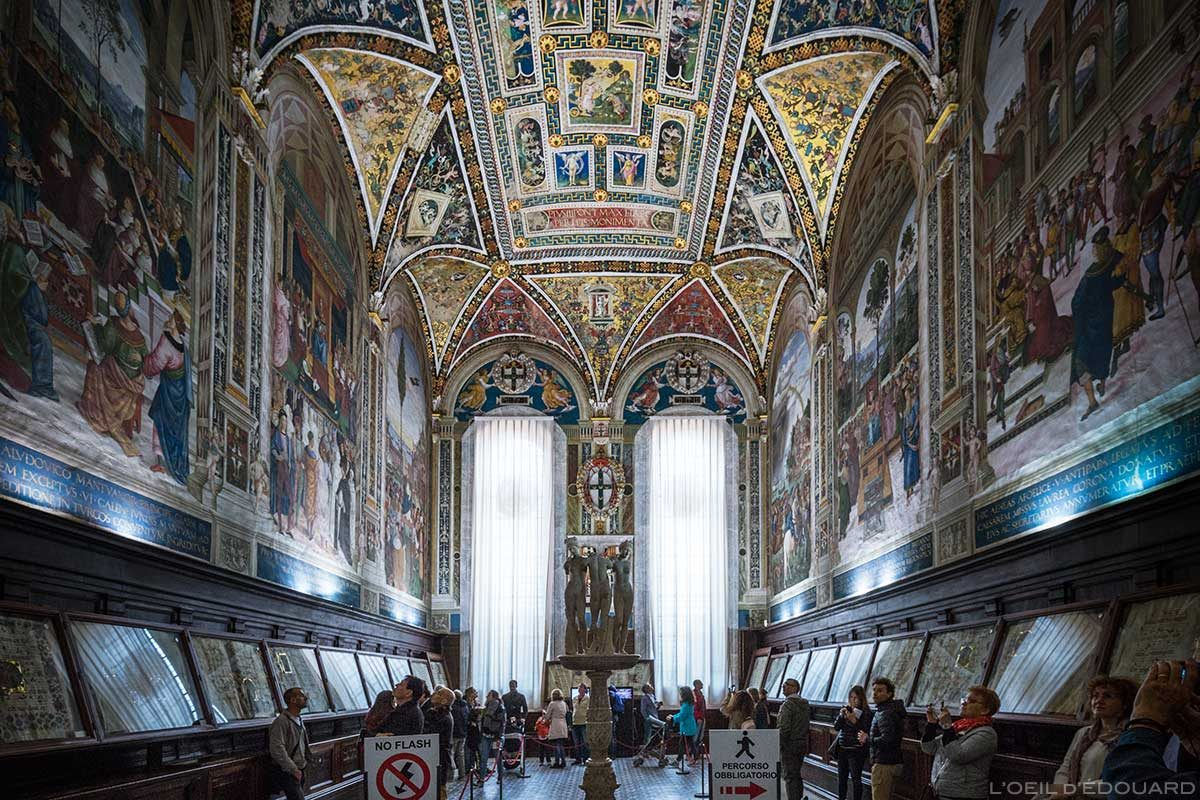 Biblioteca Piccolomini na Catedral de Siena - Catedral de Siena (Santa Maria Assunta): afrescos de Pinturricchio