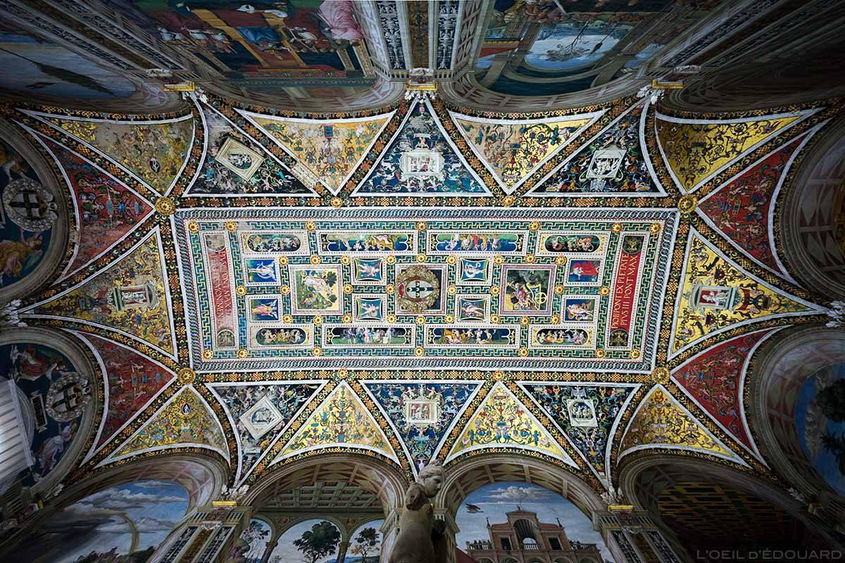 Teto da Biblioteca Piccolomini na Catedral de Siena - Catedral de Siena (Santa Maria Assunta)
