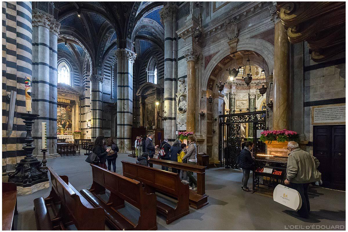 Catedral de Siena - Transepto interno Catedral de Siena (Santa Maria Assunta): Capela da Madonna del Vow (Capela da Virgem do voto) Capela Chigi