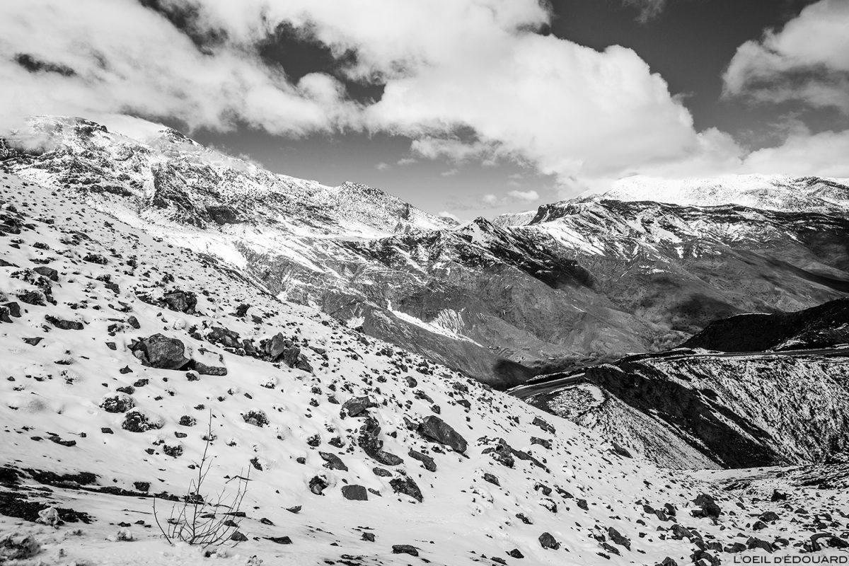 Montanhas do Atlas cobertas de neve, Marrocos (sob o Col du Tichka) © L'Oeil d'Édouard