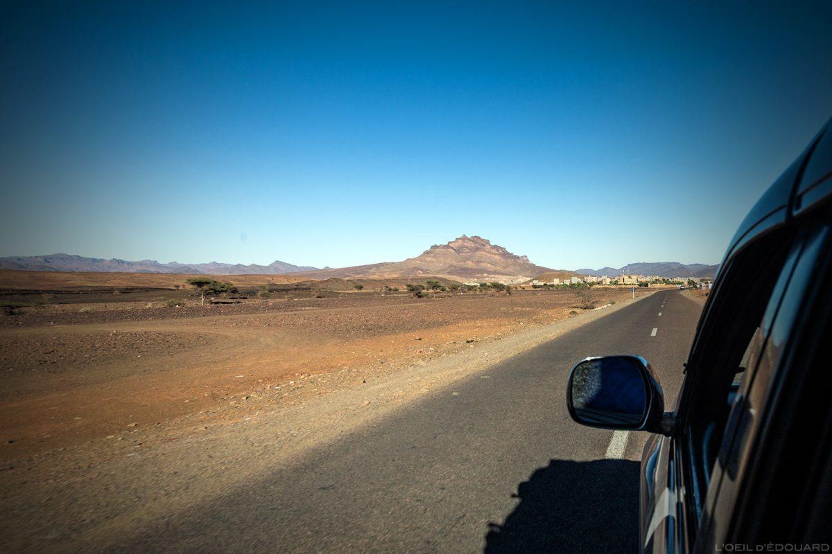 Aldeia de Agdz a caminho do deserto marroquino