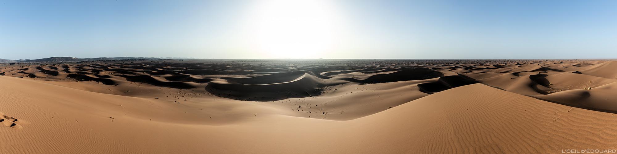 Pôr do sol nas dunas do deserto marroquino