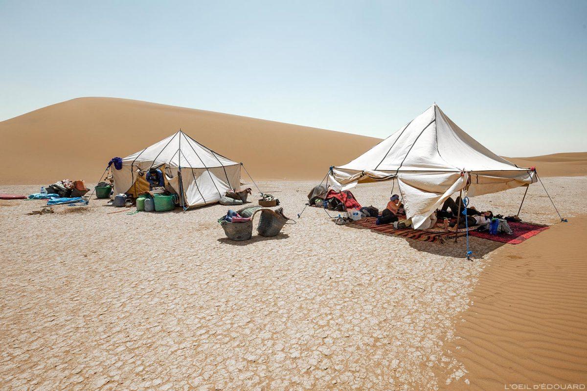 Tenda de acampamento nômade nas dunas - Morocco Desert Trekking