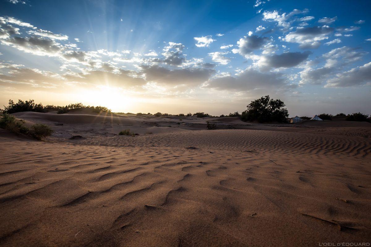 Pôr do sol no deserto marroquino © L'Oeil d'Édouard