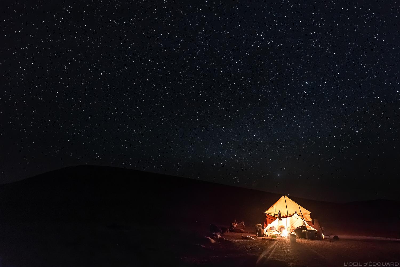 Céu estrelado sobre o acampamento nômade no deserto marroquino - excursão com Mélodie du Désert © L'Oeil d'Édouard