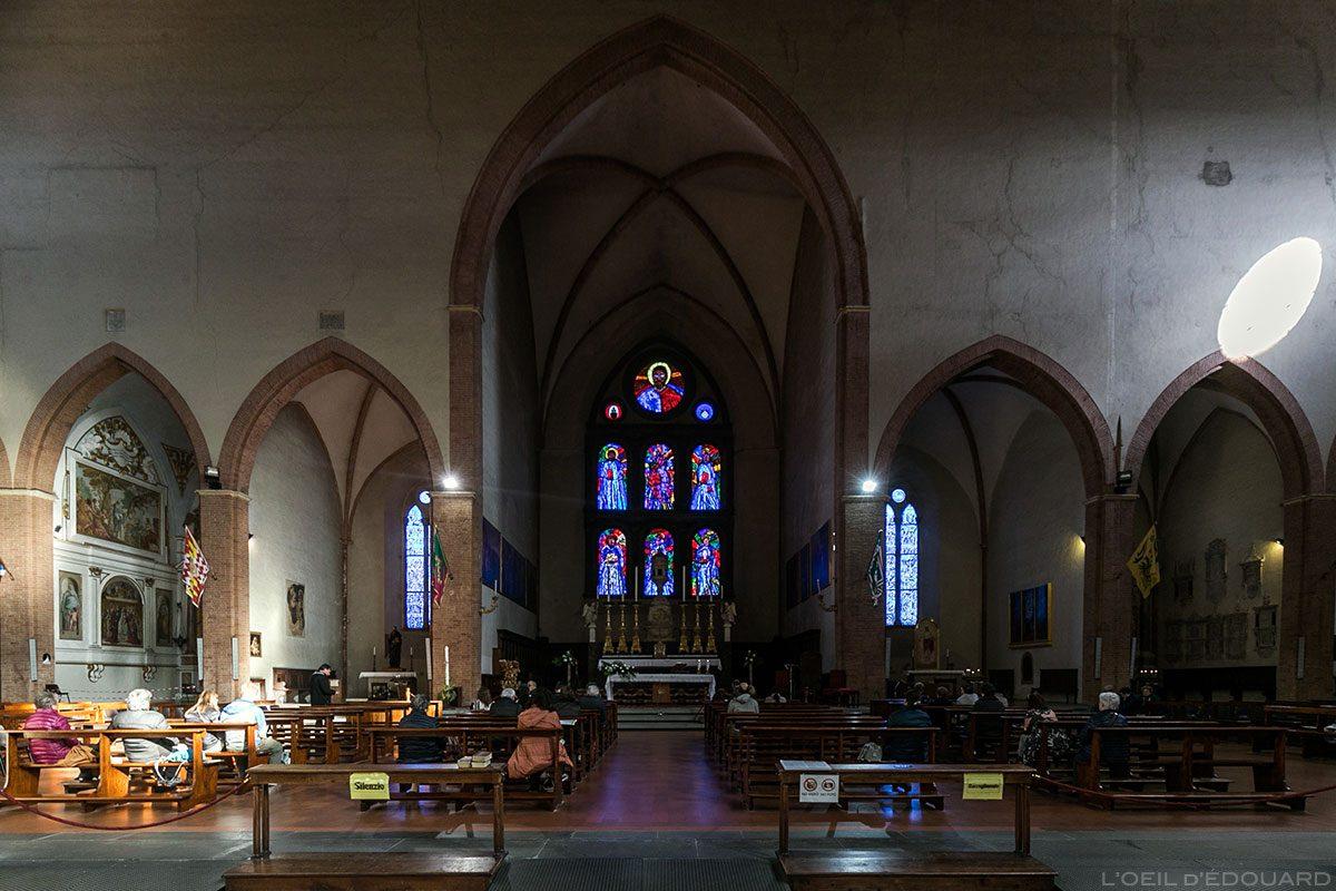 Transepto e Basílica Coro Interno de San Domenico da Siena - Transepto e capela central dentro de San Domenico e Basílica Cateriniana di San Domenico, Siena