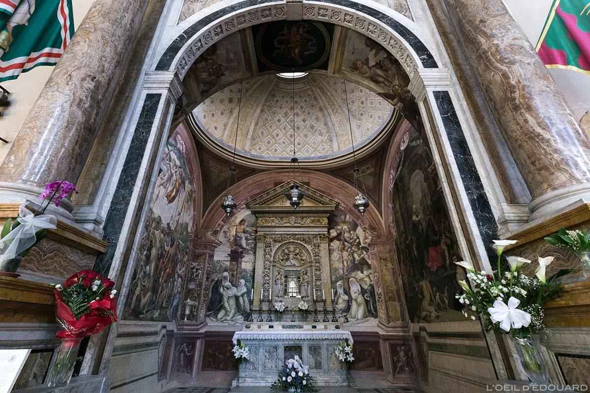 Capela de Santa Caterina (Relíquias) Basílica Interior de San Domenico di Siena - Capela de Santa Caterina Interior de San Domenico e Basílica Cateriniana di San Domenico, Siena