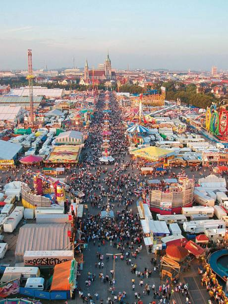 Apesar do nome, a Oktoberfest começa em setembro e termina no primeiro final de semana de outubro, quando o clima em Munique é mais ameno.