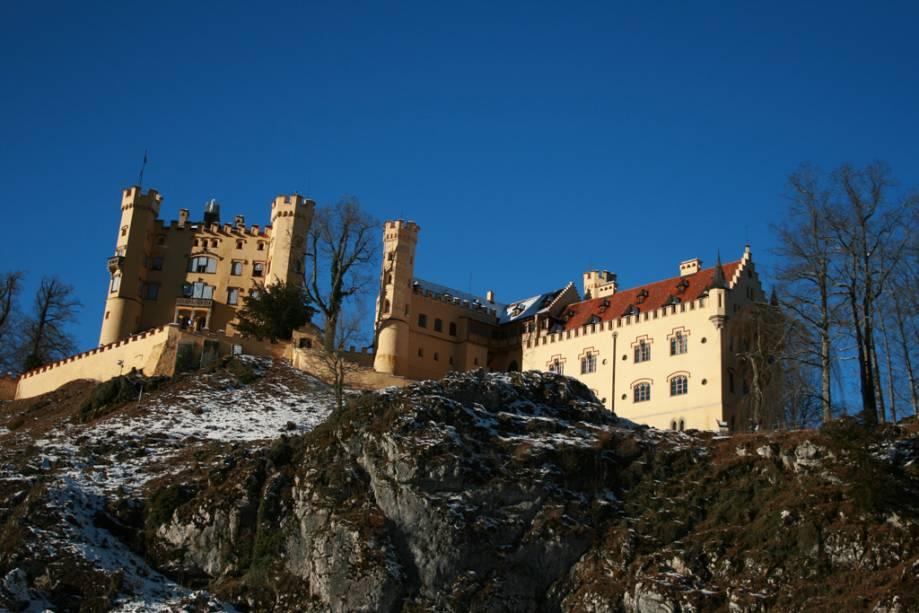 Castelo Hohenschwangau na vila de Schwangau, uma atração perto de Munique