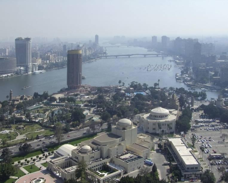 A vida no Egito depende inteiramente do Nilo e no Cairo não é diferente.  Aqui estão algumas das melhores acomodações e restaurantes da cidade