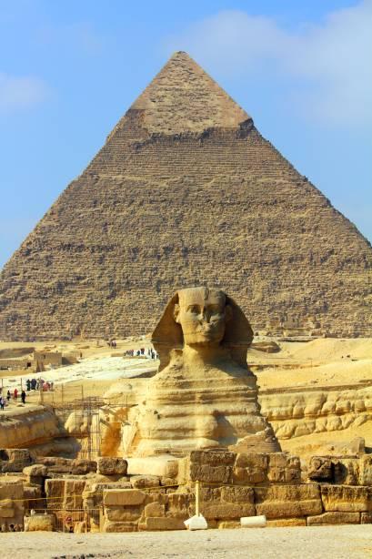 A Grande Esfinge no Complexo da Pirâmide de Gizé é um dos símbolos mais marcantes de todo o Egito