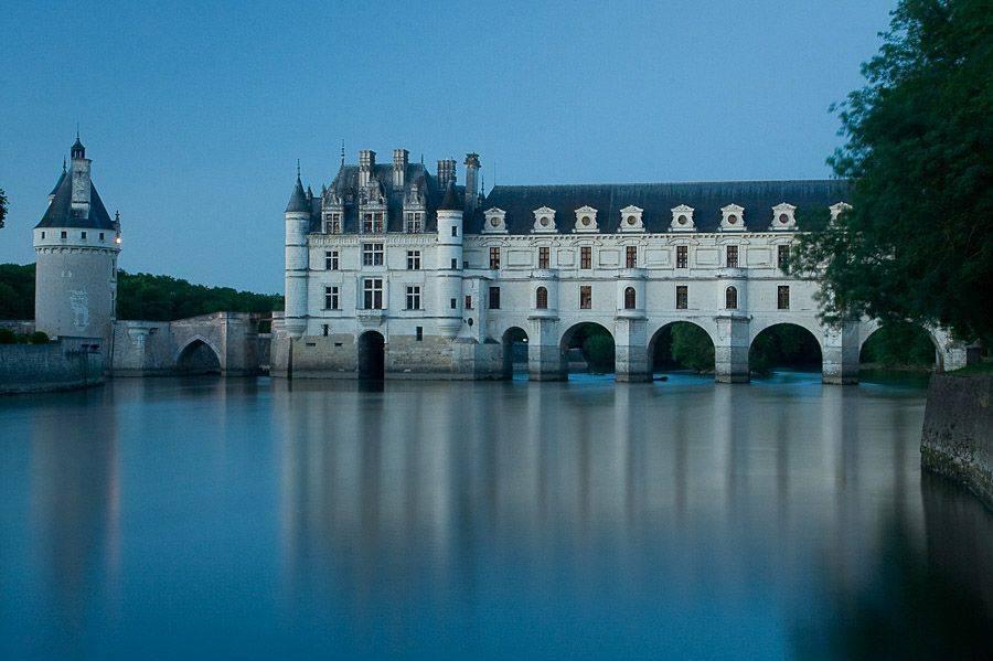 O Château de Chenonceau tem uma galeria dupla na Cher, no Vale do Loire