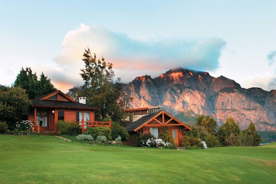 Engana-se quem pensa que Bariloche é apenas um destino de inverno: há possibilidades de passeios em qualquer época do ano, com paisagens que ganham tons diferentes e mudam por fora.