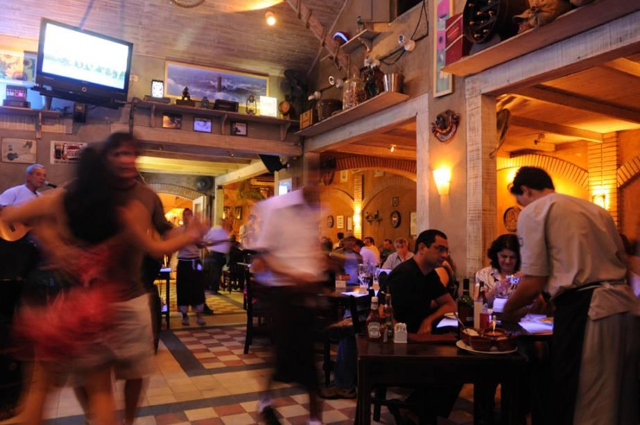 Bar, Music & Grill Paraty 33 no Centro Histórico