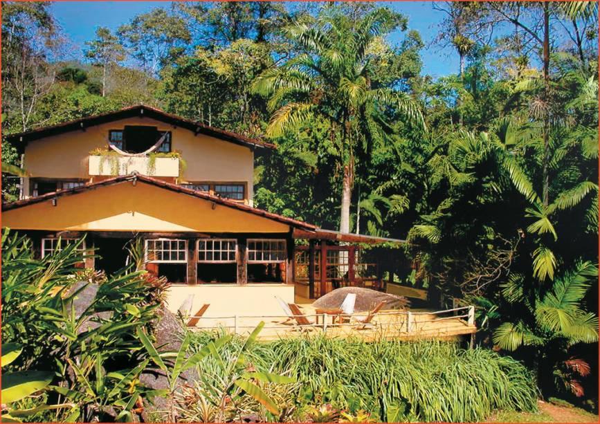 A Pousada e Restaurante Le Gite DIndaiatiba está localizada em uma área verde com uma cachoeira próxima.  O acesso é por estrada de terra