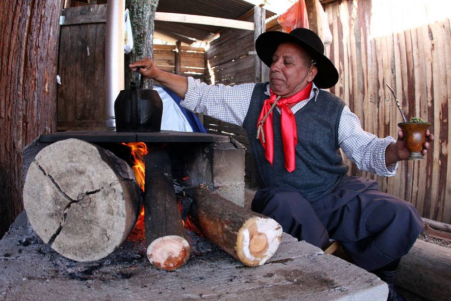 Semana Farroupilha oferece shows, danças e pratos típicos