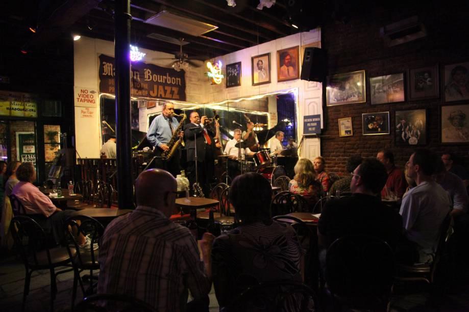 New Orleans é o berço do jazz.  Nos inúmeros clubes dentro e ao redor do French Quarter, os turistas irão apreciar a alma e o ritmo da cidade