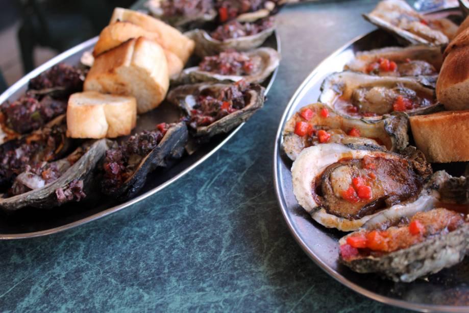 Nova Orleans é conhecida por sua culinária crioula, fortemente influenciada pela culinária espanhola, francesa e caribenha.  Frutos do mar como ostras, caranguejos e camarões são onipresentes