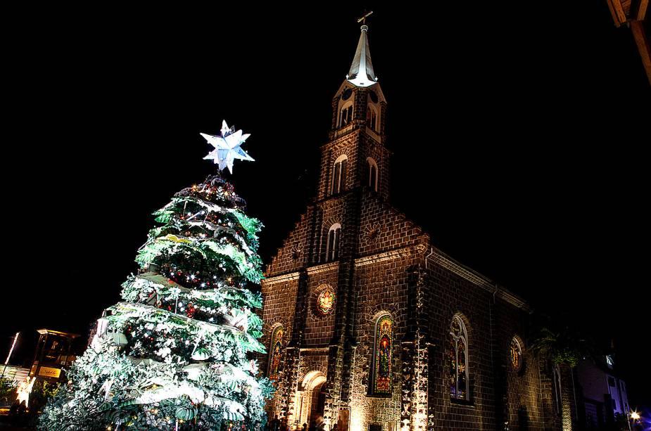 Decoração de Natal no Largo da Igreja Matriz São Pedro