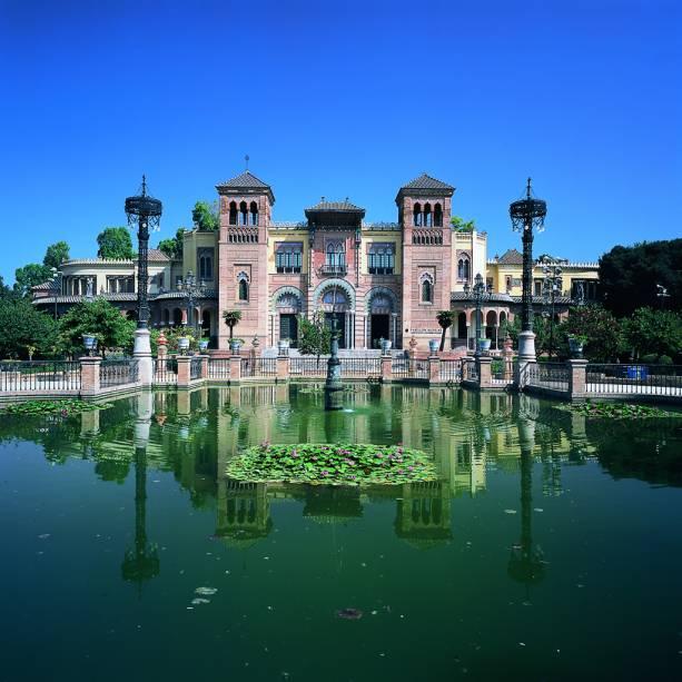 O Parque María Luiza, grande espaço verde próximo ao rio Guadalquivir, foi palco da mostra Ibero-americana de 1929