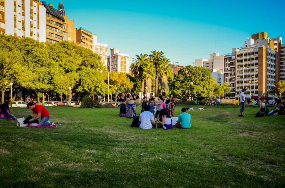 A Plaza de la Intendencia está localizada no centro da cidade e possui um magnífico e vasto espaço verde.  Está rodeado pelo Palácio de Justiça e pelo Palácio Municipal 6 de Julio