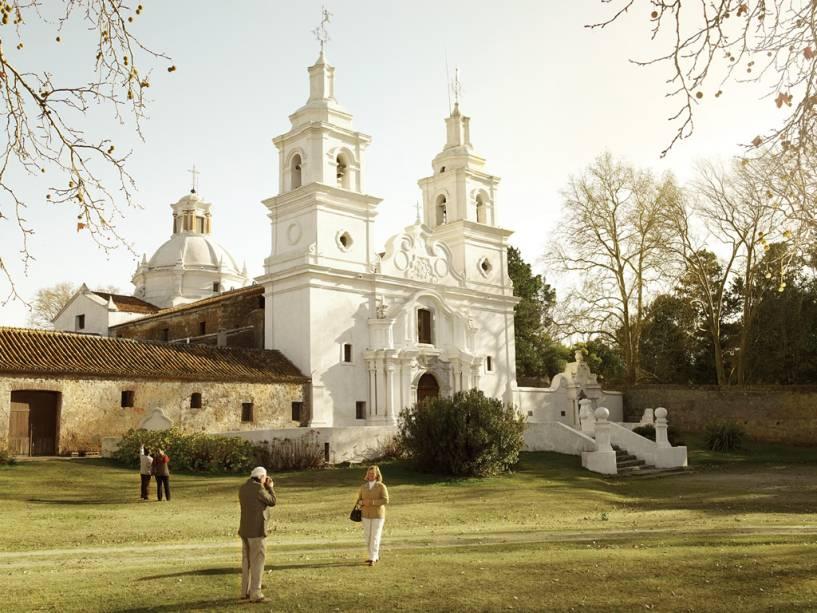 A Igreja de Santa Catalina de 1723 com uma imponente fachada barroca é um dos mais importantes exemplos arquitetônicos da presença dos jesuítas na região.