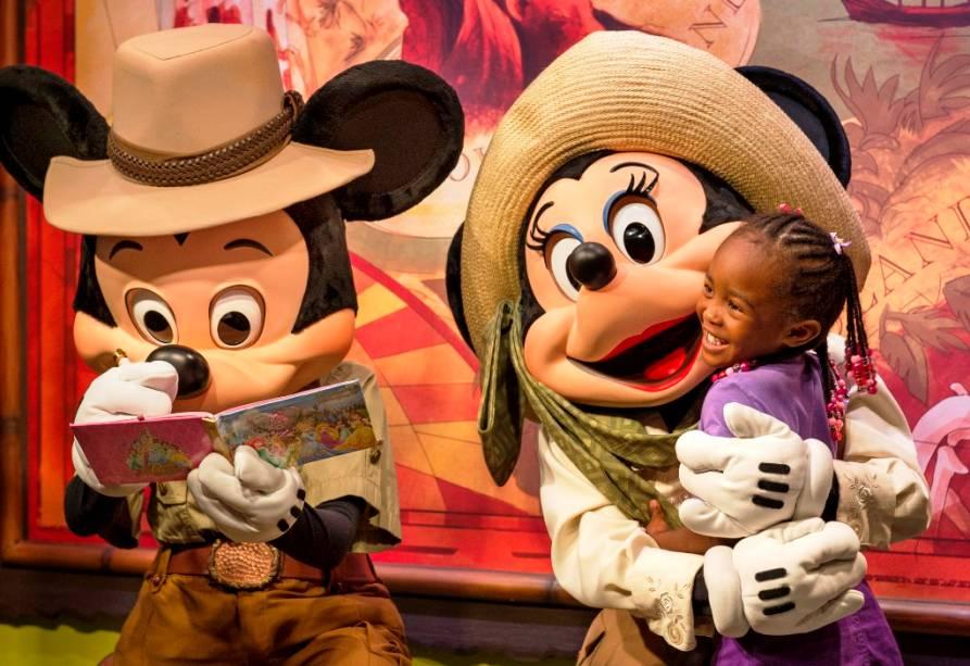 Mickey e Minnie nenhum posto avançado aventureiro do reino animal