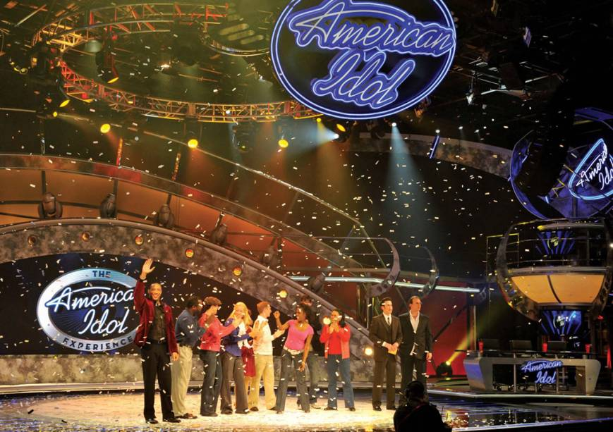 Aparência no American Idol Experience no Disney's Hollywood Studios.  A atração oferece a chance de ver, se apresentar e até votar em seus cantores favoritos