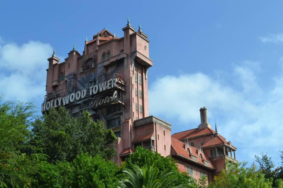A grande atração deste hotel mal-assombrado, a Twilight Zone Tower of Terror, é o elevador que mergulha de uma altura de 60 metros