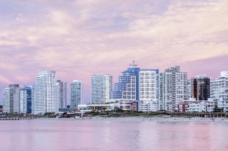 Praia Mansa em Punta del Este, Uruguai