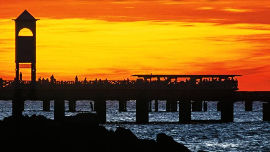 Praia de Iracema e sua ponte metálica em Fortaleza