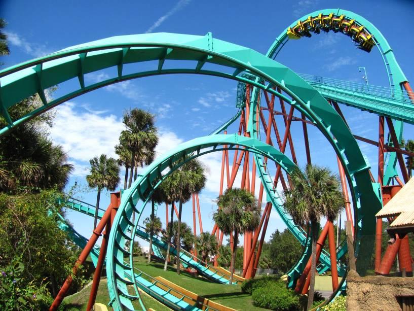 Montanha-russa Kumba.  em Busch Gardens