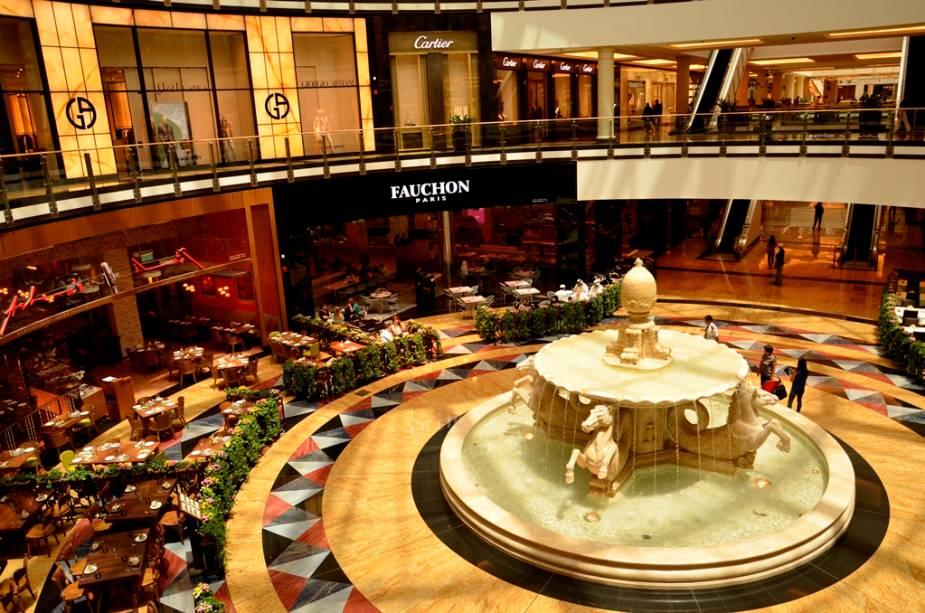 Muito além de um shopping center, o Mall of the Emirates é um verdadeiro complexo gastronômico e de entretenimento