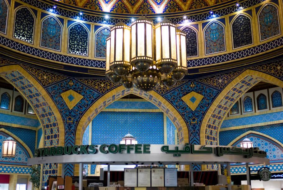Uma visita ao shopping Ibn Battuta vale muito a pena para as compras por causa de seu belo interior projetado