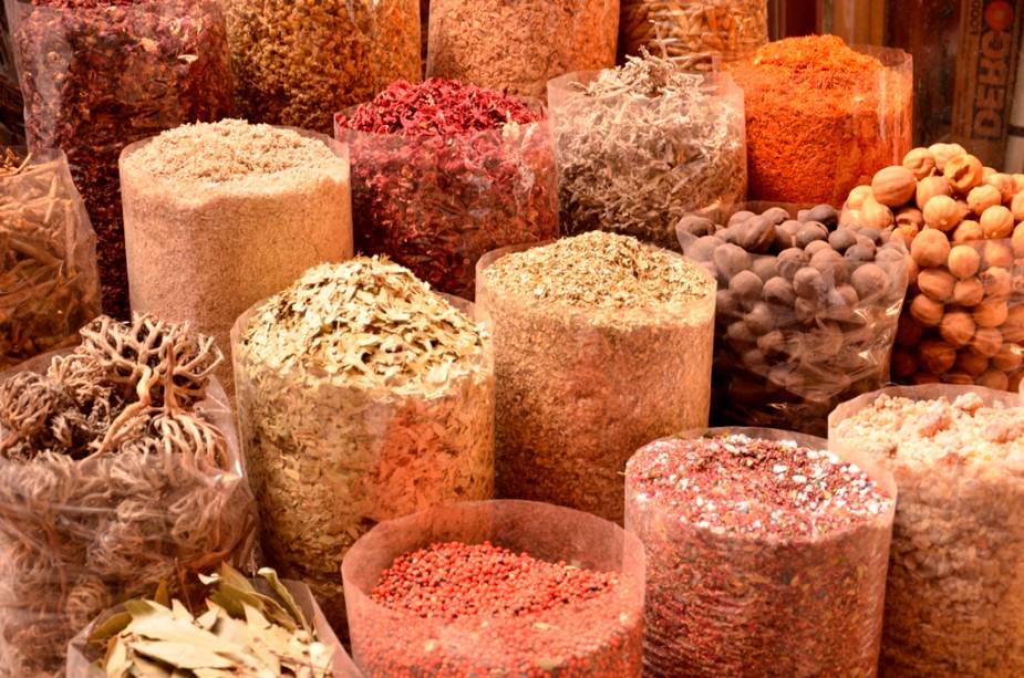 Incenso, páprica, aromas: o mercado de especiarias Deira é um teste para os sentidos