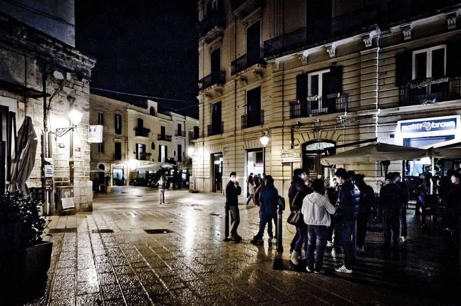 Hoje a cidade foi revitalizada e vários bares e restaurantes estão espalhados pelo centro histórico