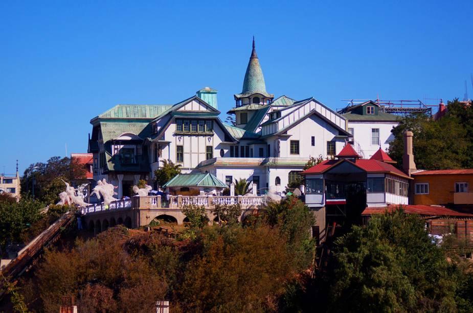O Palácio Baburizza é um magnífico edifício Art Nouveau que abriga o Museu de Belas Artes na cidade de Valparaíso