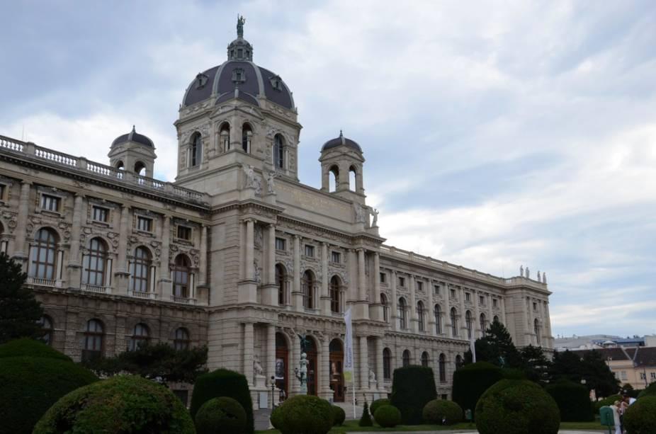 O Kunsthistorisches Museum é um dos melhores museus da Europa e abriga importantes coleções de arte antiga - como na ala egípcia - e sua impressionante galeria com obras de mestres como Brueghel, Rafael e Velasquez