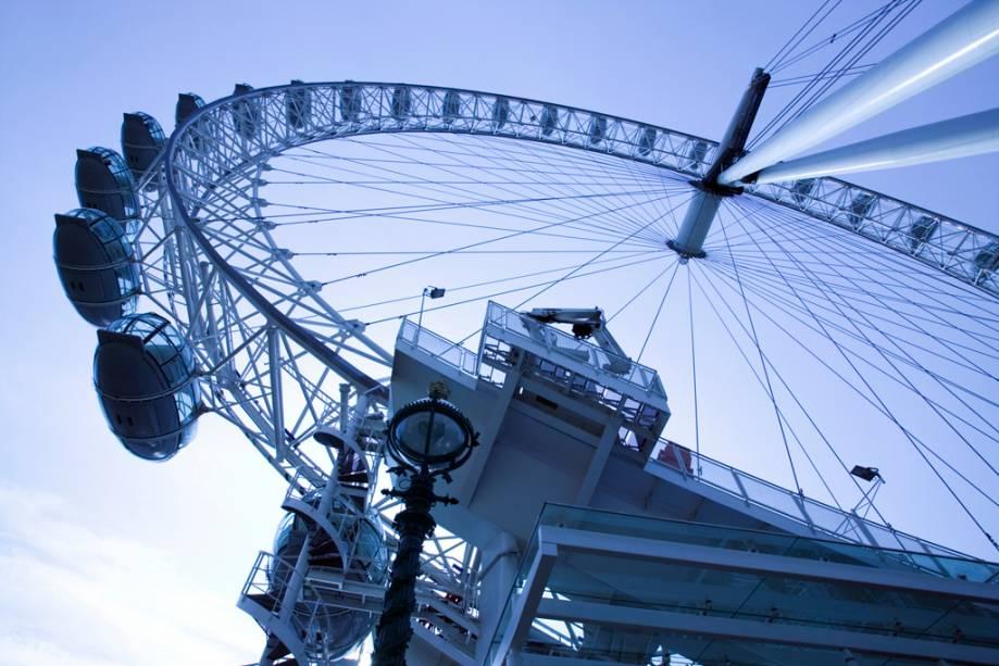 A roda gigante London Eye foi criada como uma estrutura temporária e já é parte integrante da paisagem de Londres