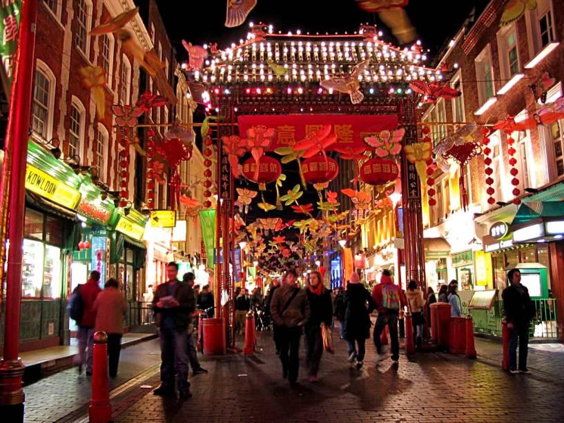 Decoração na Chinatown de Londres para as celebrações do Ano Novo Chinês