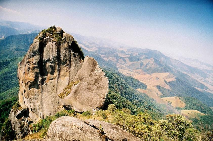 Do alto da Pedra Selada você tem uma visão panorâmica de 360 ° dos vales e montanhas da região