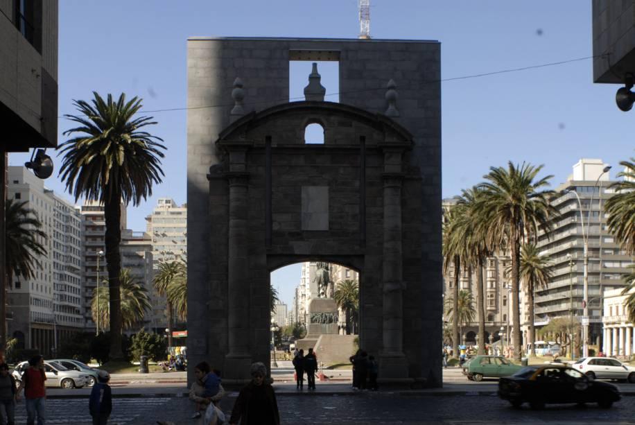 Puerta de la Ciudadela em Montevidéu, Uruguai