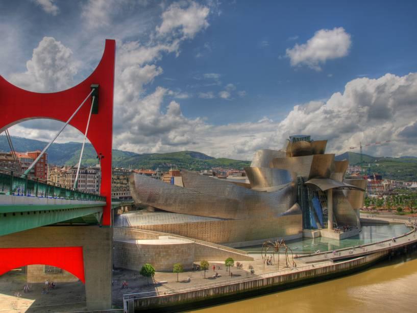 O Museu Guggenheim de Bilbao é o principal símbolo da cidade