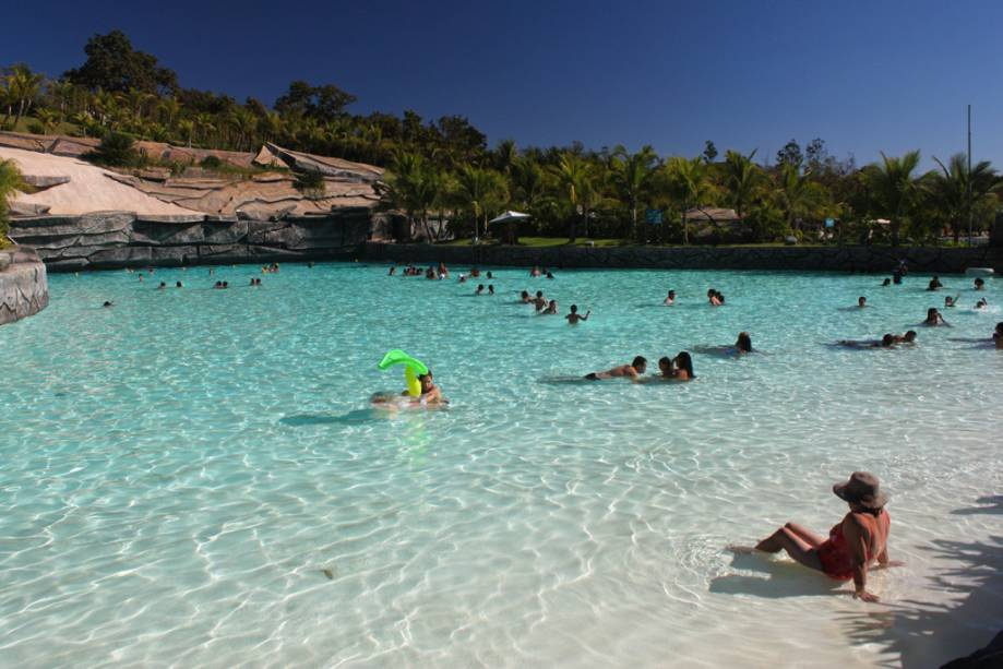 Praia do Cerrado no parque aquecido do Rio Quente Resort