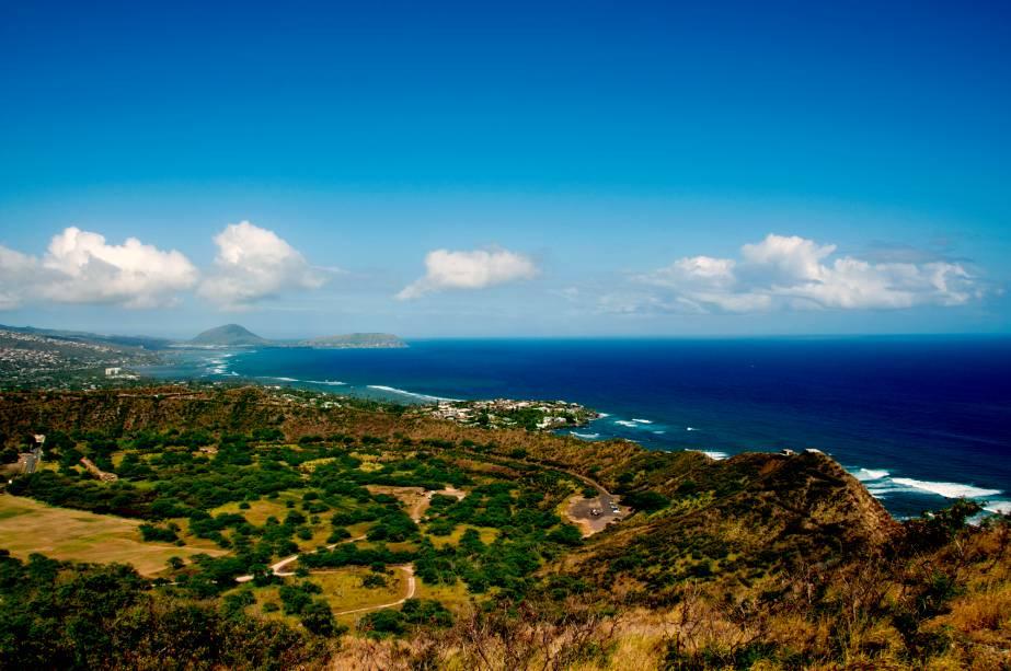 Em Honolulu vale a pena visitar as belas praias e ondas perfeitas para o surf, como o mitológico Banzai Pipeline, Waimea, Haleiwa e Sunset Beach