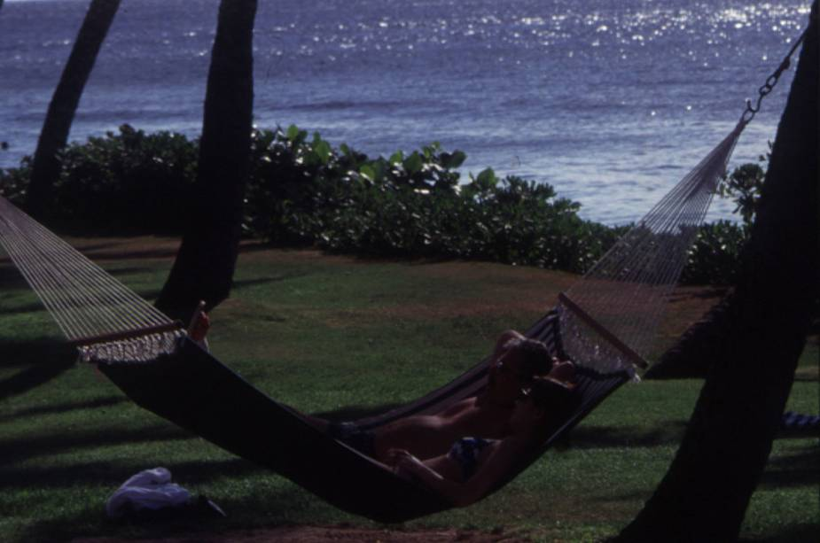 Big Island Beach em Honolulu é pura tranquilidade.  A cidade é badalada, mas também tem ótimos lugares para relaxar