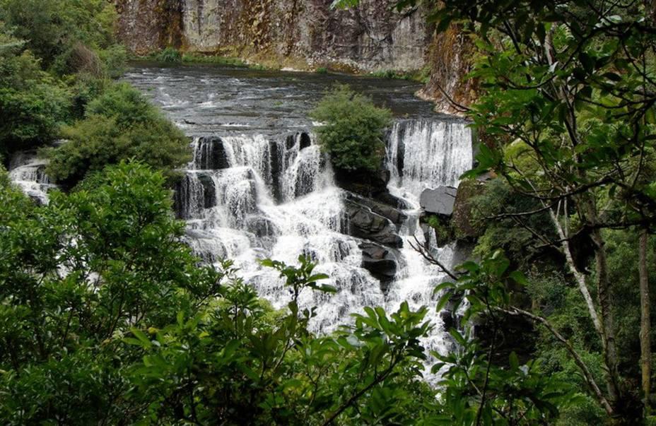 Cachoeira do Parque Estadual do Caracol